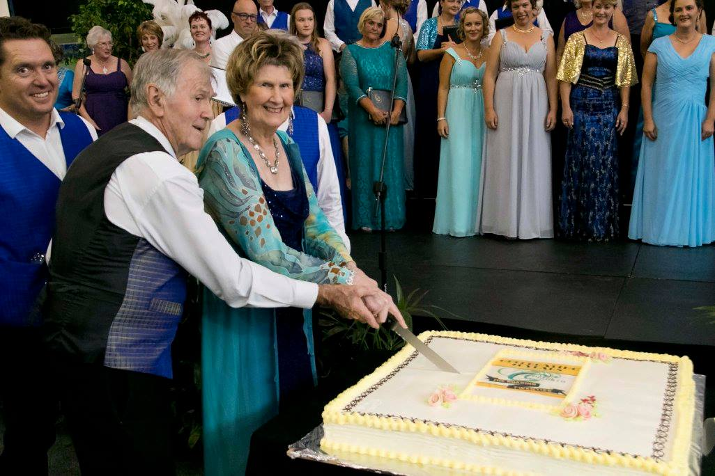 https://www.operanorth.co.nz/uploads/images/news/Cutting the cake 21 years.jpg